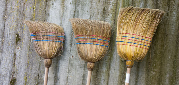 broom -- election symbol of the Aam Admi Party