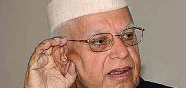 Congress veteran N D Tiwari surprised all announcing his candidature for the upcoming LS polls in Varanasi.