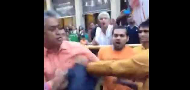Rajdeep Sardesai was assaulted by a youth at Madison square outside the venue of Modi's address to NRIs.