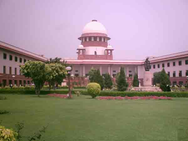 The Union Government has submitted 627 names in the black money case to the Supreme Court on Wednesday as ordered by the apex court.