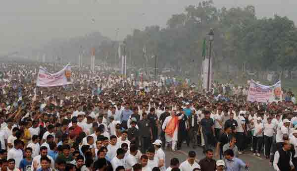 PM Modi leads 'Run For Unity' with thousands of people making the event a huge success.