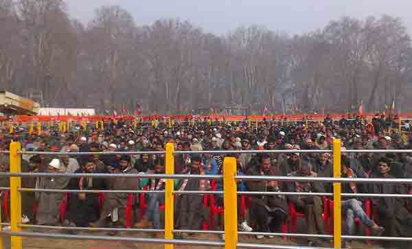 A huge crowd gathered at the Sher-e-Kashmir stadium in Srinagar at PM Modi's election rally.