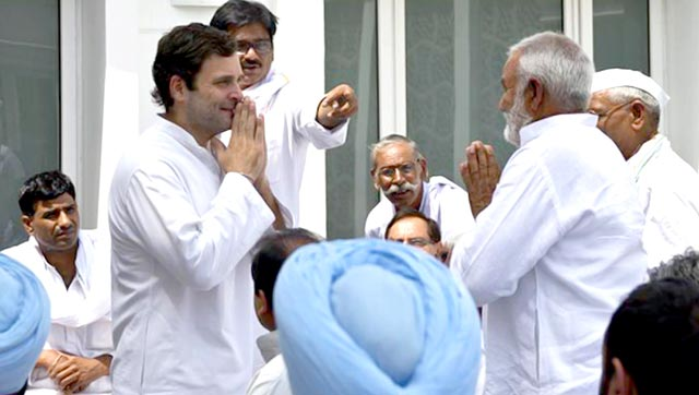 Rahul Gandhi talking to farmers a day ahead of the rally at his residence in Delhi.